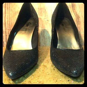 Size 9 Fioni Night black scale/sequin heels .